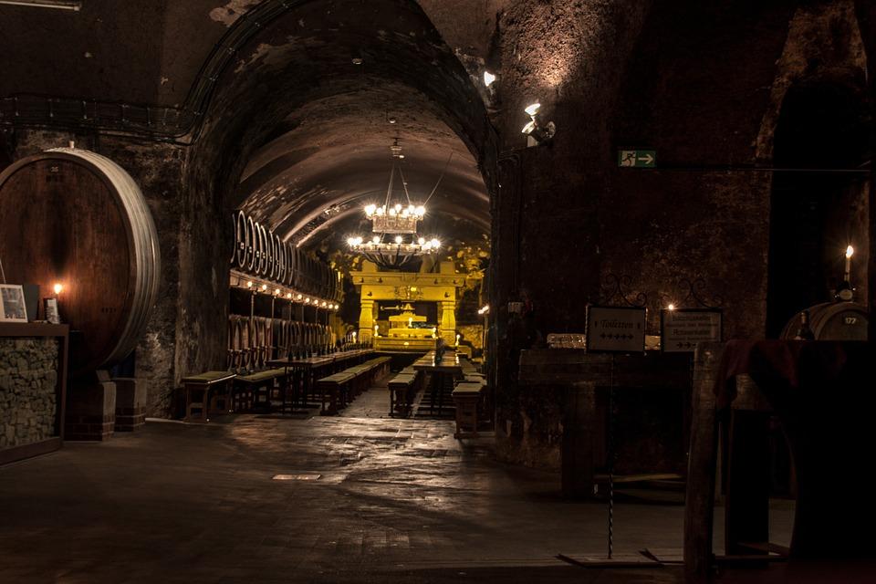 cellar-554406_960_720