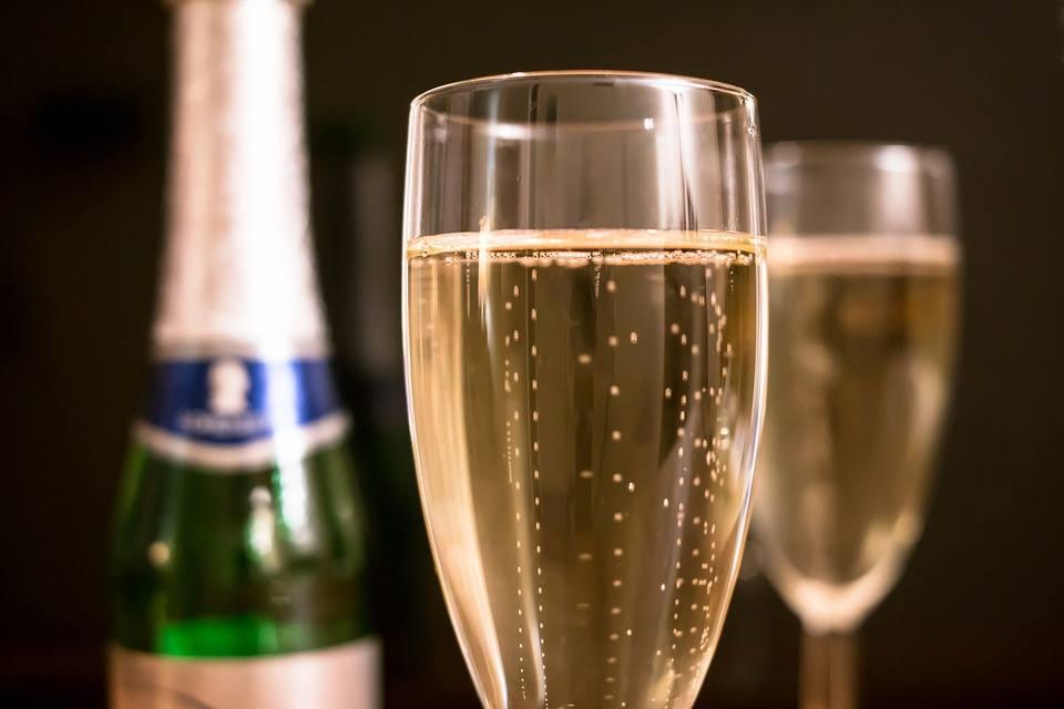 belles bouteilles de champagnes